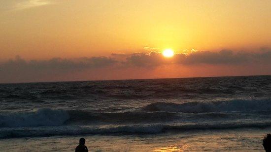 shanghumukham-beach